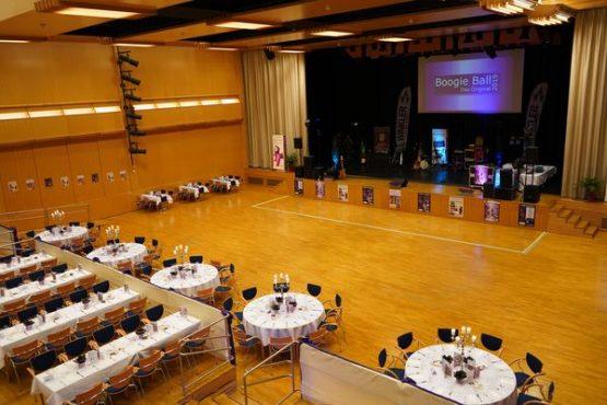 Boogie Ball Hauptsaal mit Bühne