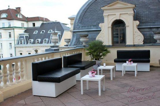Casino Baden Terrasse Festsaal Loungemöbel